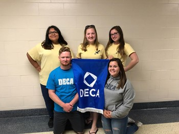 DECA Officers 2018-19
