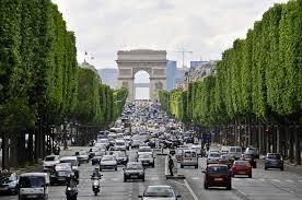 Le Champs-Elysées