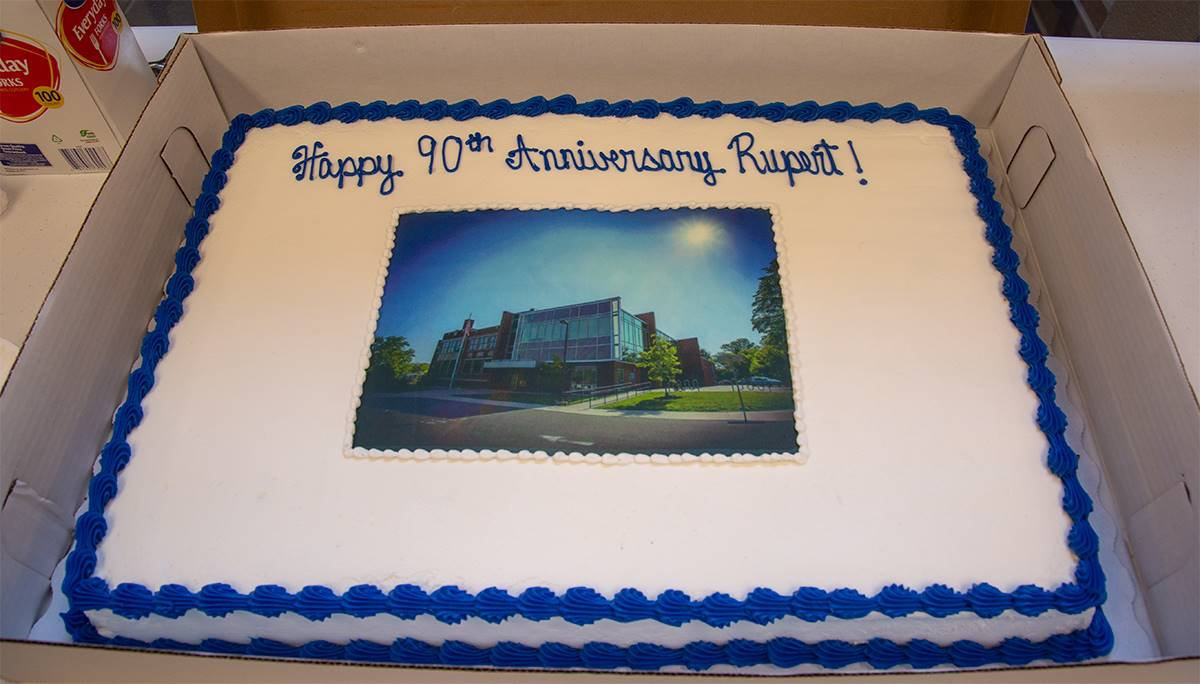 the cake at rupert's 90th
